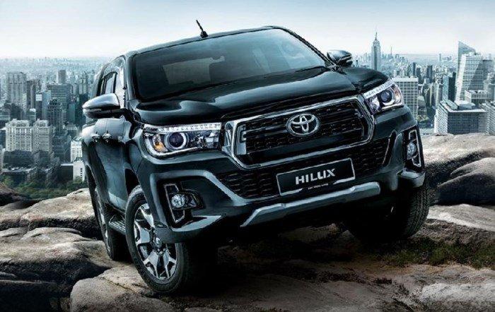 Đánh giá xe Toyota Hilux 2.8G MLM 2018 về thiết kế đầu xe...