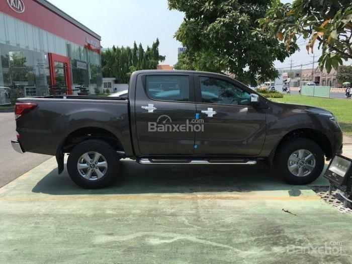 Bán Mazda BT 50 mới 100% màu nâu, ưu đãi tốt nhất miền Hà Nội, hỗ trợ trả góp 80% giá trị xe (2)