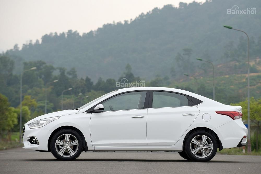 Giao xe ngay - Tặng phụ kiện - Chỉ 139tr- Hyundai Accent 1.4MT 2019, giá cực tốt, trả góp 85%, liên hệ 0933598285 (2)