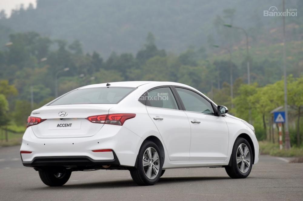 Giao xe ngay - Tặng phụ kiện - Chỉ 139tr- Hyundai Accent 1.4MT 2019, giá cực tốt, trả góp 85%, liên hệ 0933598285 (4)