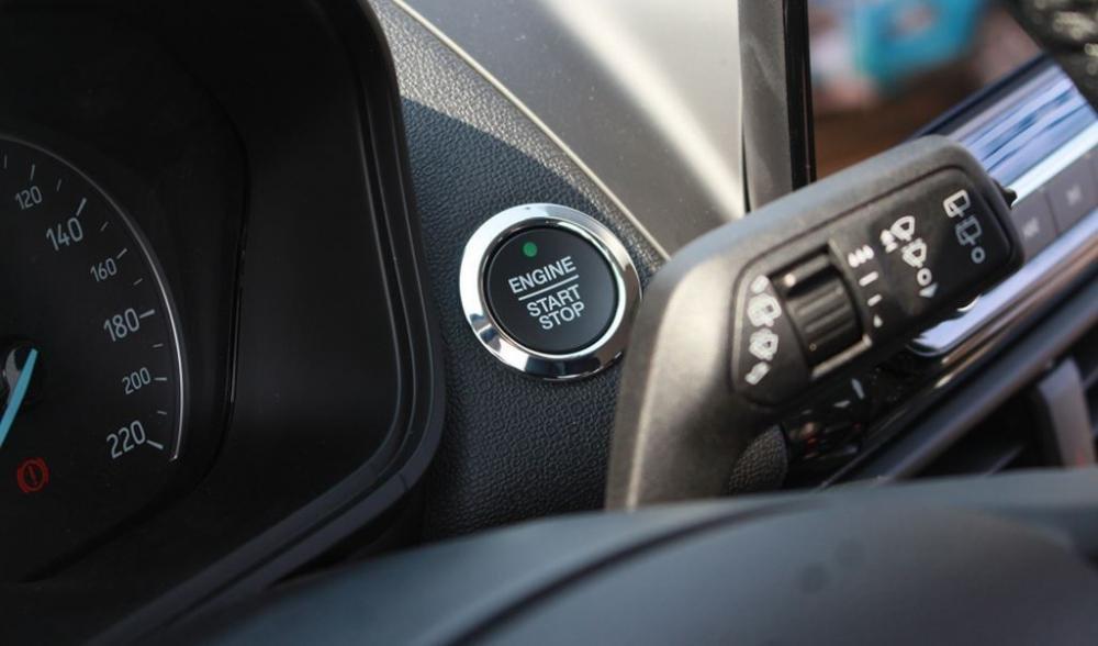 Đánh giá xe Ford EcoSport 1.0L Titanium 2018: Nút bấm khởi động..
