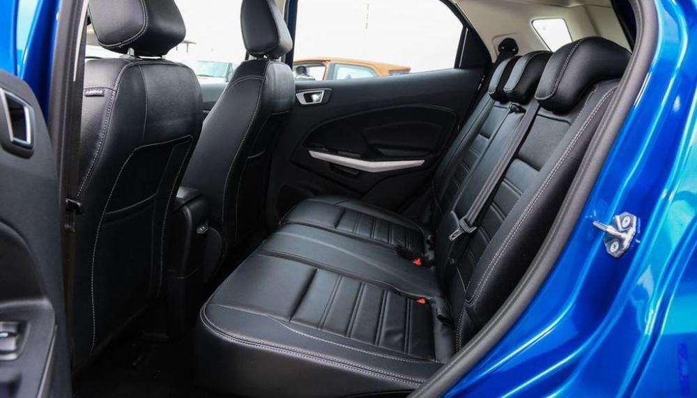Đánh giá xe Ford EcoSport 1.0L Titanium 2018 về hệ thống ghế ngồi.