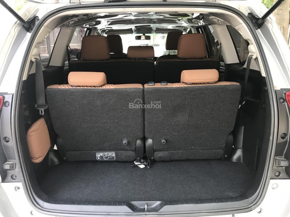 Xe Innova E model 2017 mầu bạc số sàn 2.0-7