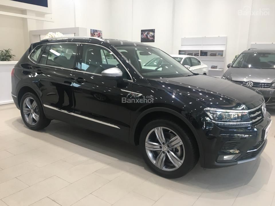 (Volkswagen Trần Hưng Đạo) bán Tiguan Allspace 2018 2.0L, đủ màu, liên hệ Kiều Tiên 0908526727 để nhận giá ưu đãi nhất (1)