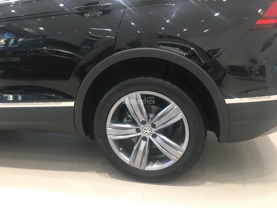 (Volkswagen Trần Hưng Đạo) bán Tiguan Allspace 2018 2.0L, đủ màu, liên hệ Kiều Tiên 0908526727 để nhận giá ưu đãi nhất (6)