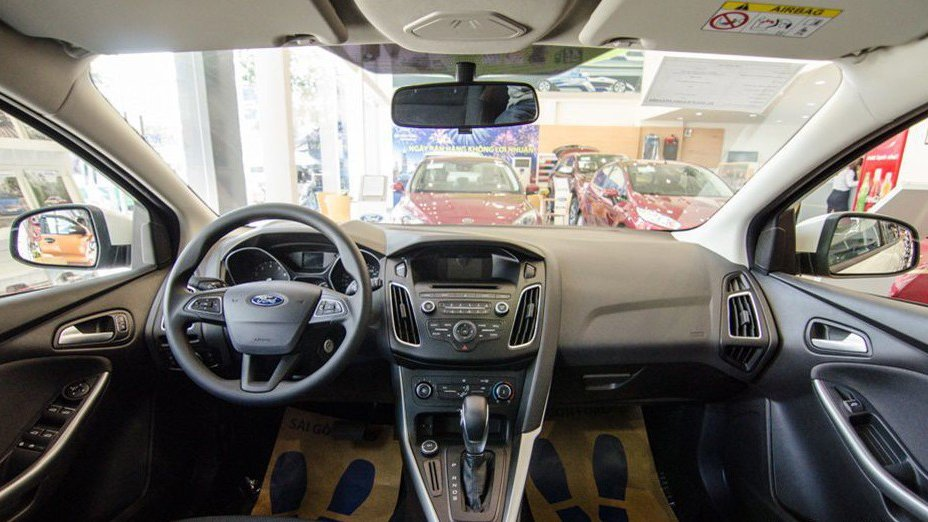 So sánh xe Mazda 3 2018 và Hyundai Elantra Sport 2018 về nội thất: Xe Nhật đẹp hơn, xe Hàn nhiều tùy chọn hơn 3
