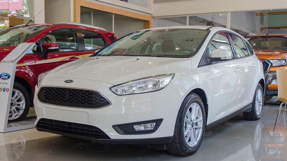 Mazda 3 2018 và Ford Focus 2018 - Một chín, một mười 2