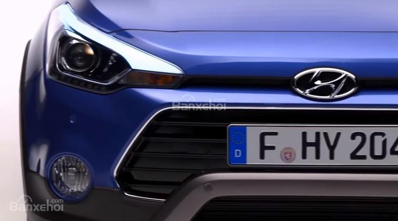 Đánh giá xe Hyundai i20 Active 2018: Lưới tản nhiệt.