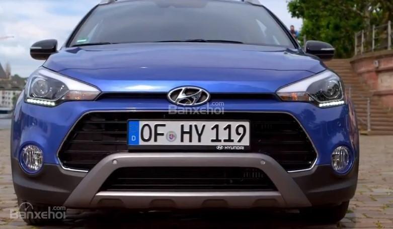 Đánh giá xe Hyundai i20 Active 2018: Đầu xe.