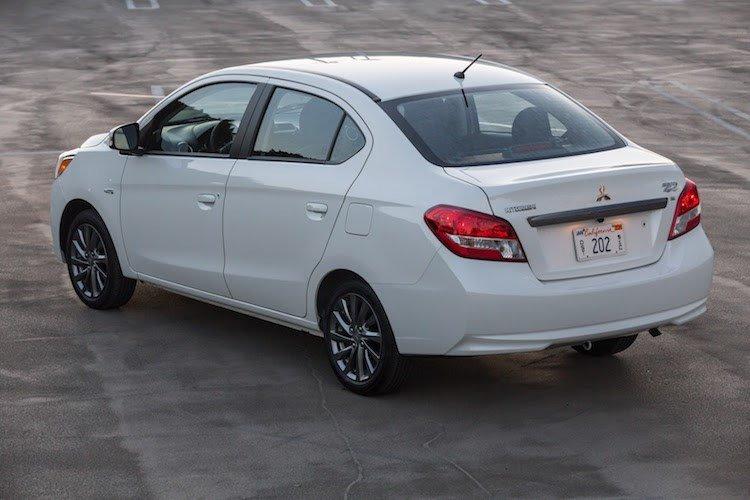 Đánh giá xe Mitsubishi Attrage 2018 CVT về đuôi xe 2