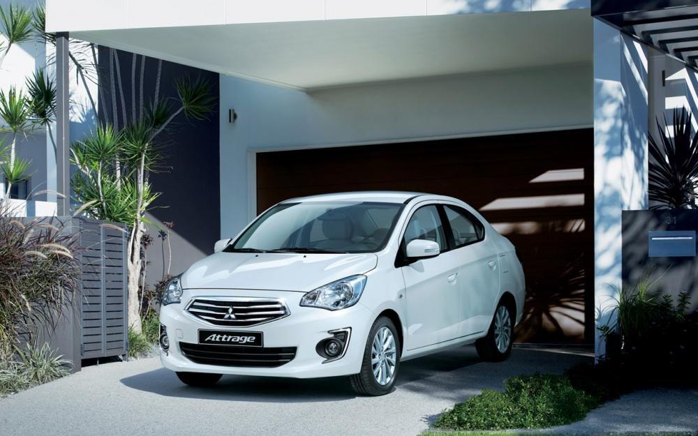 Đánh giá xe Mitsubishi Attrage 2018 CVT về đầu xe 1