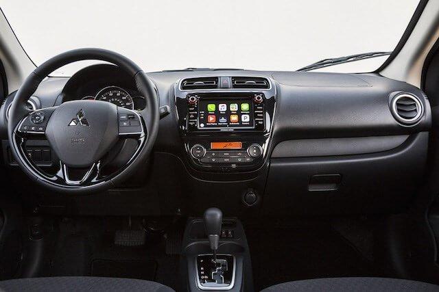 Đánh giá xe Mitsubishi Attrage 2018 CVT: Khoang nội thất hữu dụng, hướng đến người dùng 1