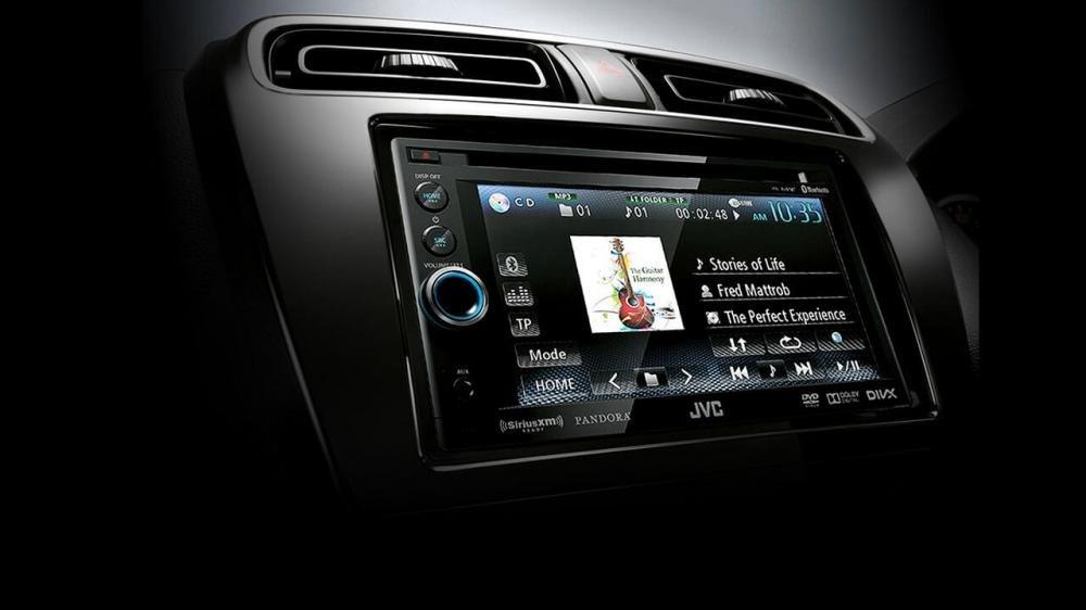 Đánh giá xe Mitsubishi Attrage 2018 CVT về hệ thống nghe nhìn A1