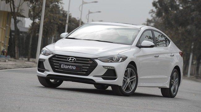 4 xe lắp ráp đắt khách mở bán đầu năm 2018:Hyundai Elantra Sport 2018