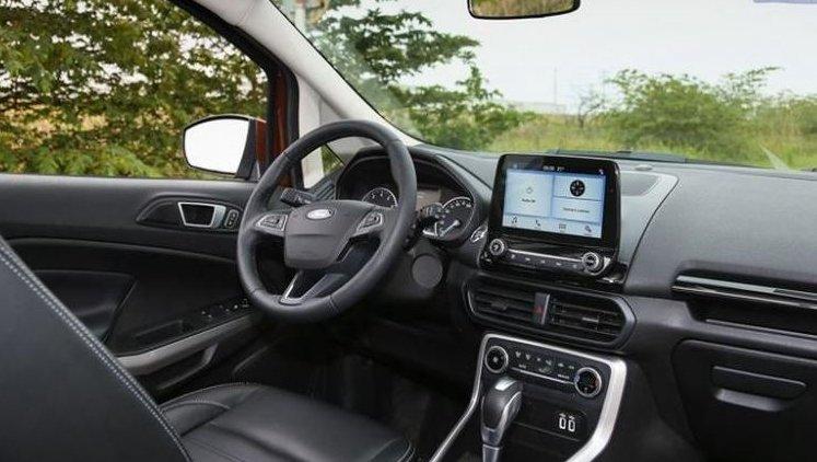 So sánh xe Honda HR-V 1.8L 2018 và Ford Ecosport Titanium 1.0L EcoBoost 2018  về khoang cabin 1.