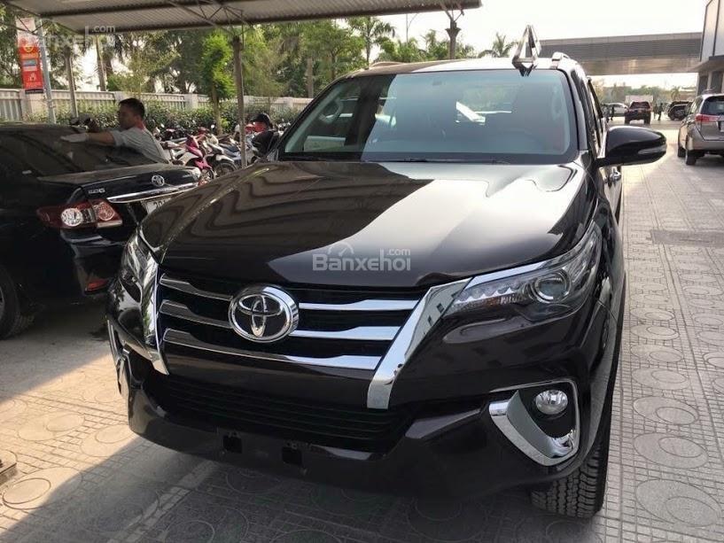 Toyota Fortuner 2.4G MT 2018, nhập khẩu, xe giao ngay, đủ màu-LH: 0945501838-0