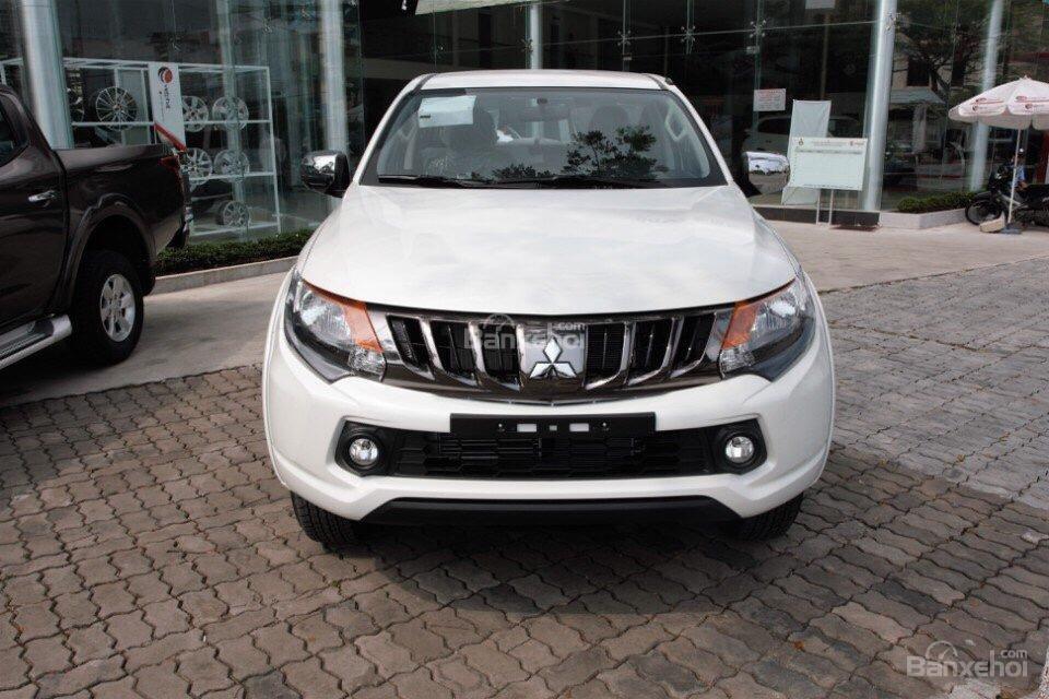 [Cực hot] Mitsubishi Triton nhập Thái nguyên chiếc, lợi dầu 7L/100km, giá cực ưu đãi, cho góp 80% (2)