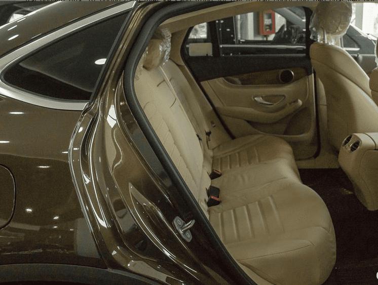Đánh giá xe Mercedes-Benz GLC 300 4MATIC Coupe 2018: Hàng ghế sau 1