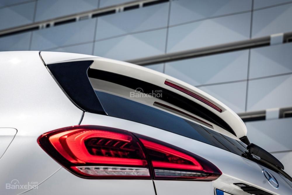 Đánh giá xe Mercedes-Benz A Class 2019 - đuôi - 2