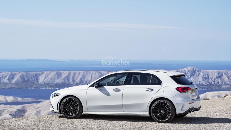 Đánh giá xe Mercedes-Benz A-Class 2019 - thân - 1