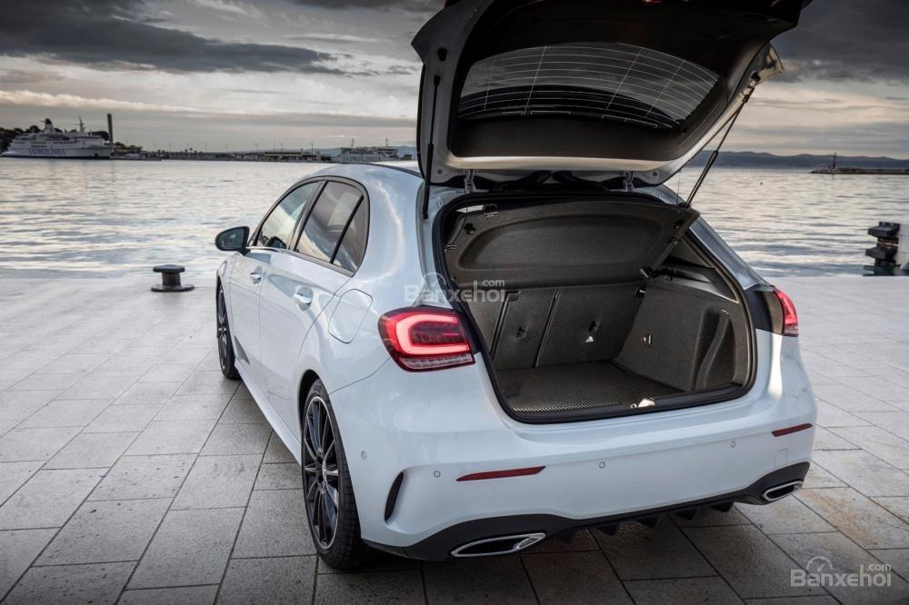 Đánh giá xe Mercedes-Benz A Class 2019 - hành lý - 1