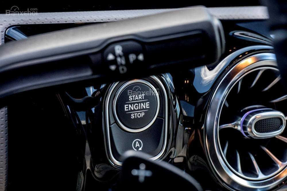 Đánh giá xe Mercedes-Benz A-Class 2019 - táp-lô - 4