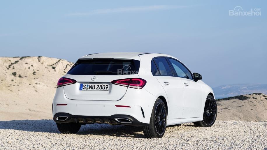 Đánh giá xe Mercedes-Benz A Class 2019 - đuôi - 1