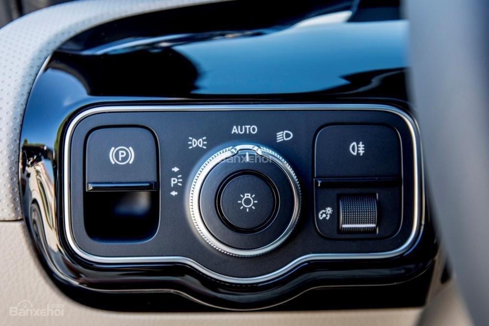 Đánh giá xe Mercedes-Benz A-Class 2019 - táp-lô - 2