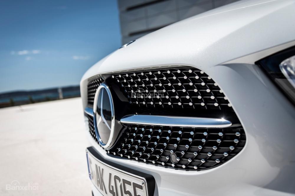 Đánh giá xe Mercedes-Benz A-Class 2019 - đầu - 3