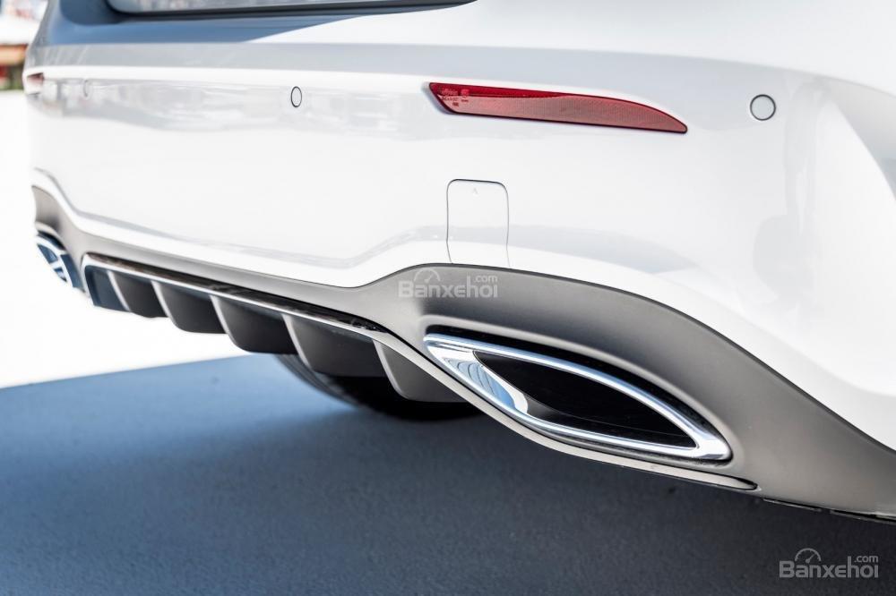 Đánh giá xe Mercedes-Benz A Class 2019 - đuôi - 3