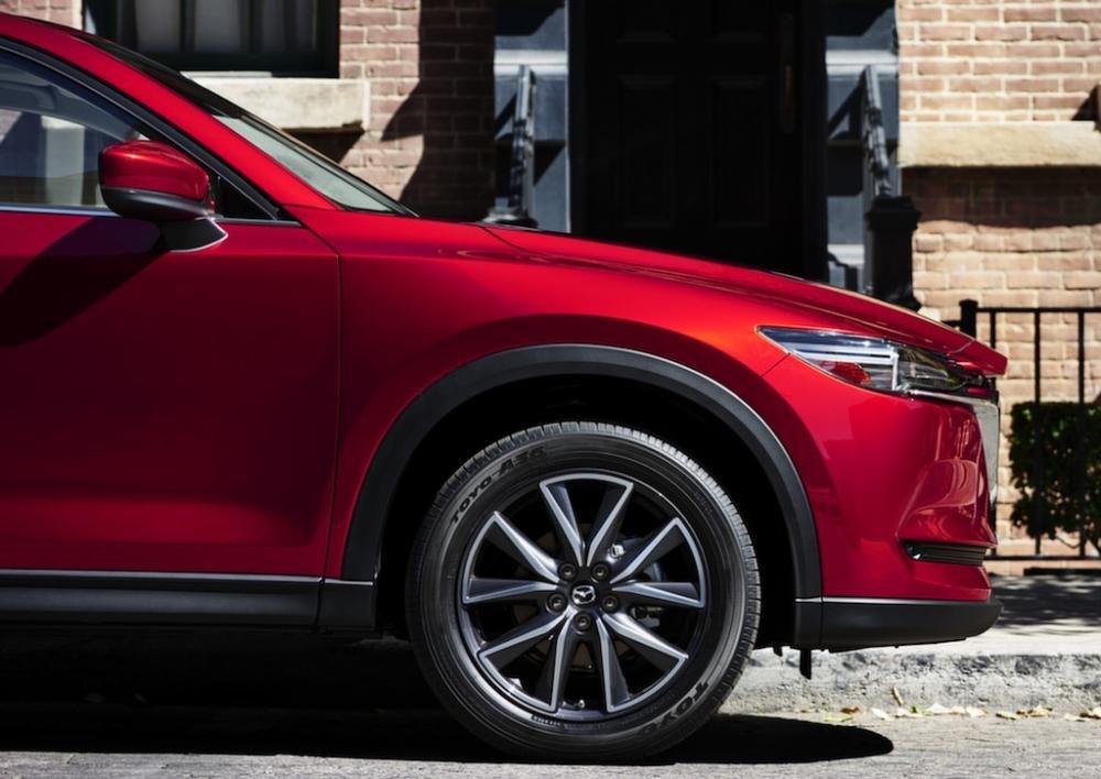 So sánh xe Mazda CX-5 2018 và Peugeot 3008 2018 về thân xe 4