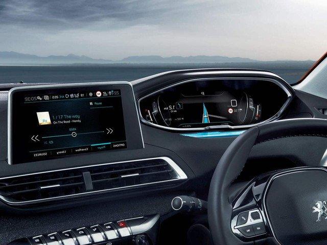 So sánh xe Mazda CX-5 2018 và Peugeot 3008 2018 về hệ thống giải trí 3