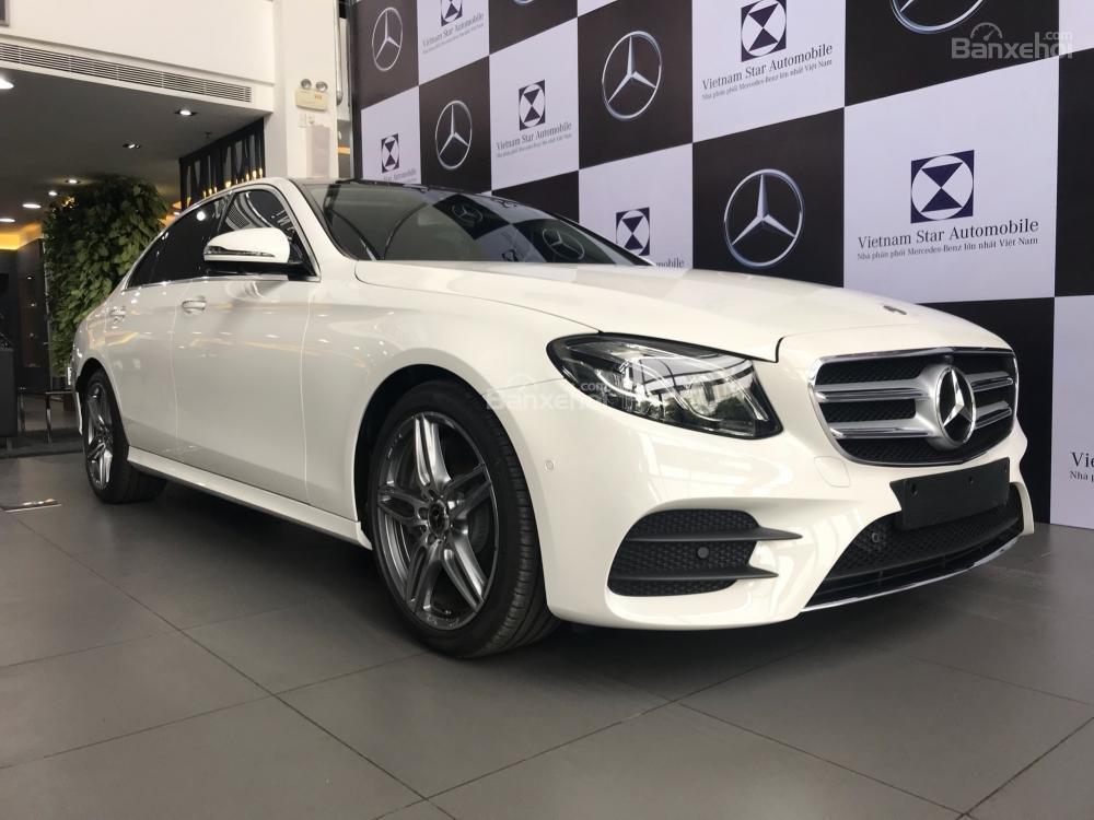 Bán Mercedes-Benz E300 AMG 2019 - Liên hệ đặt xe: 0919 528 520-0