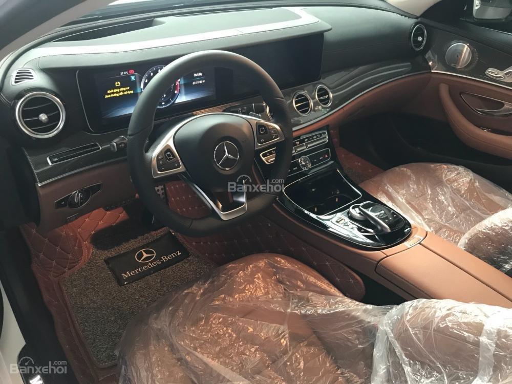 Bán Mercedes-Benz E300 AMG 2019 - Liên hệ đặt xe: 0919 528 520-4