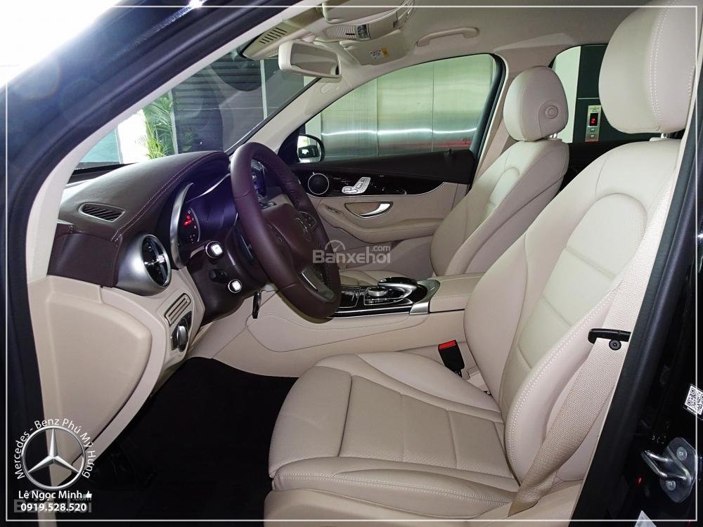 Bán Mercedes Benz GLC 200 New - KM đặc biệt trong tháng - Xe giao ngay - LH: 0919 528 520-4