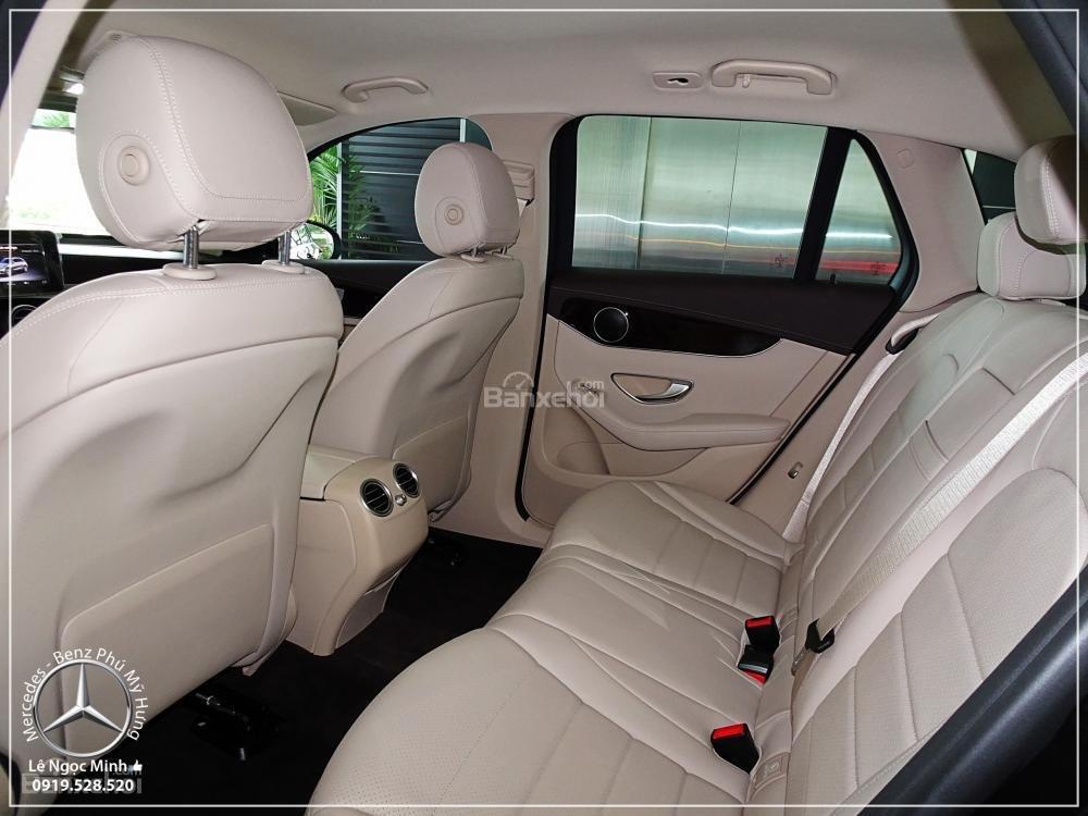 Bán Mercedes Benz GLC 200 New - KM đặc biệt trong tháng - Xe giao ngay - LH: 0919 528 520-5