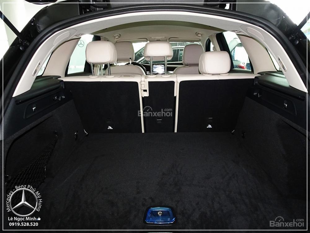 Bán Mercedes Benz GLC 200 New - KM đặc biệt trong tháng - Xe giao ngay - LH: 0919 528 520-6