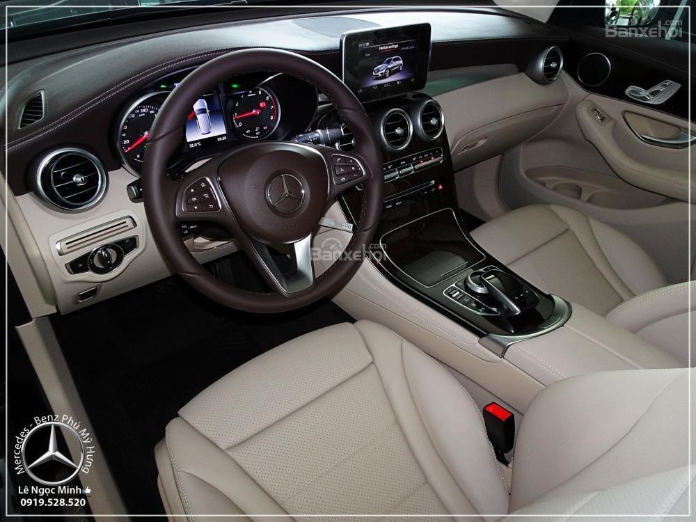 Bán Mercedes Benz GLC 200 New - KM đặc biệt trong tháng - Xe giao ngay - LH: 0919 528 520-8