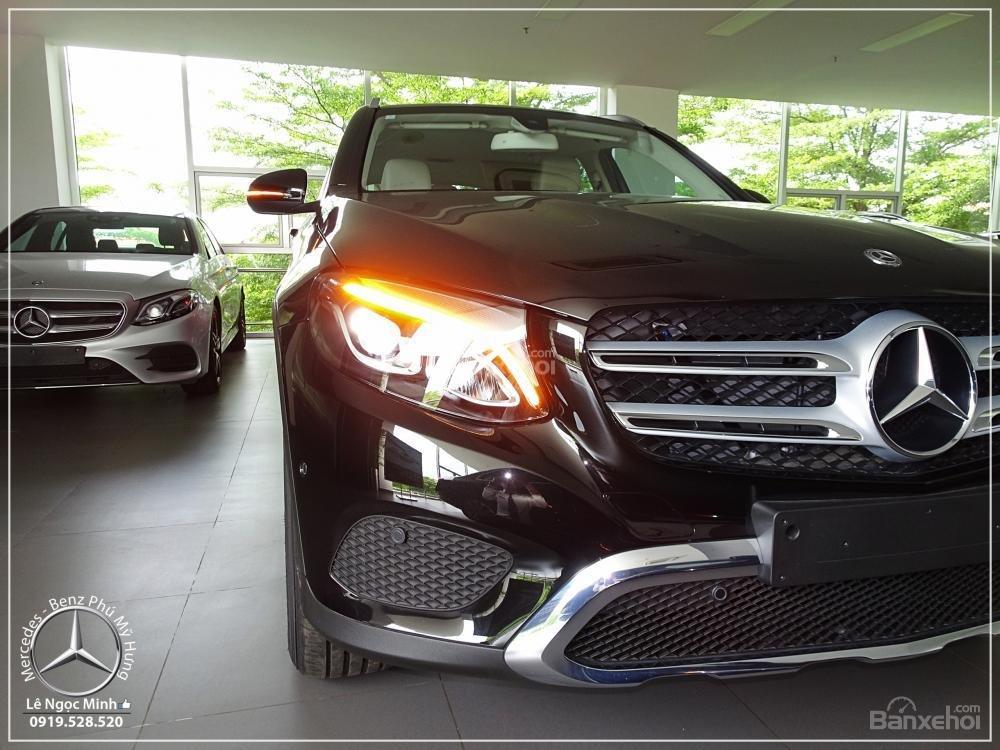 Bán Mercedes Benz GLC 200 New - KM đặc biệt trong tháng - Xe giao ngay - LH: 0919 528 520-2