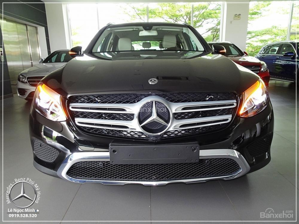 Bán Mercedes Benz GLC 200 New - KM đặc biệt trong tháng - Xe giao ngay - LH: 0919 528 520-1
