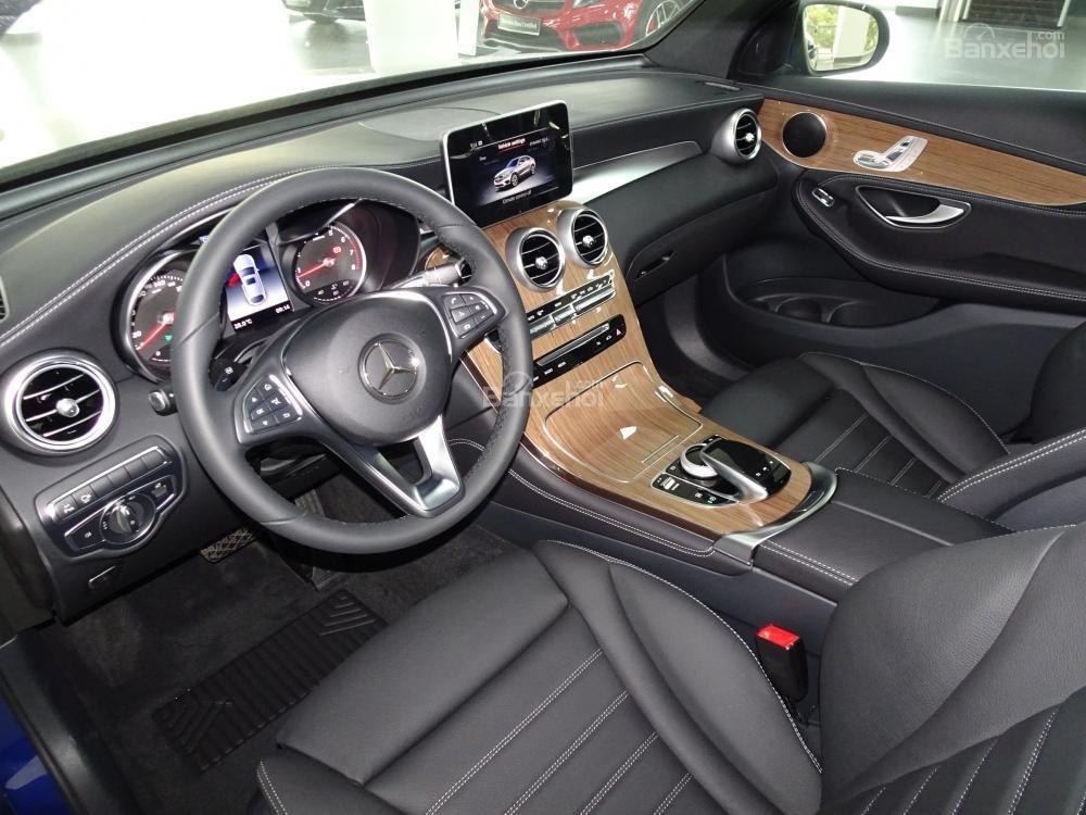 Bán Mercedes Benz GLC 300 Coupe New - Có xe giao ngay - hỗ trợ Bank 80% - Ưu đãi tốt - LH: 0919 528 520 (8)