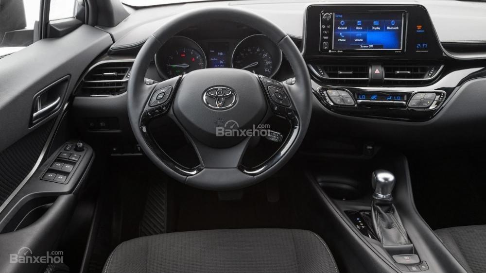 Toyota Corolla 2019 và Toyota C-HR 2019: Chọn hatchback hay CUV? - Ảnh 9.