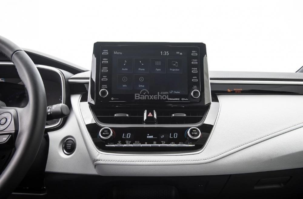 Toyota Corolla 2019 và Toyota C-HR 2019: Chọn hatchback hay CUV? - Ảnh 16.
