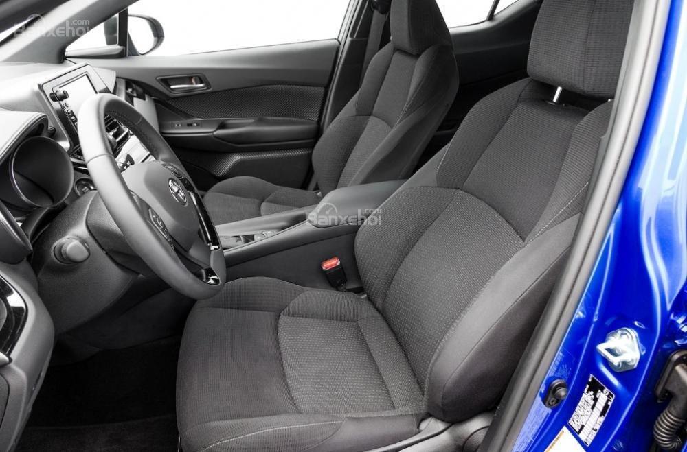 Toyota Corolla 2019 và Toyota C-HR 2019: Chọn hatchback hay CUV? - Ảnh 21.