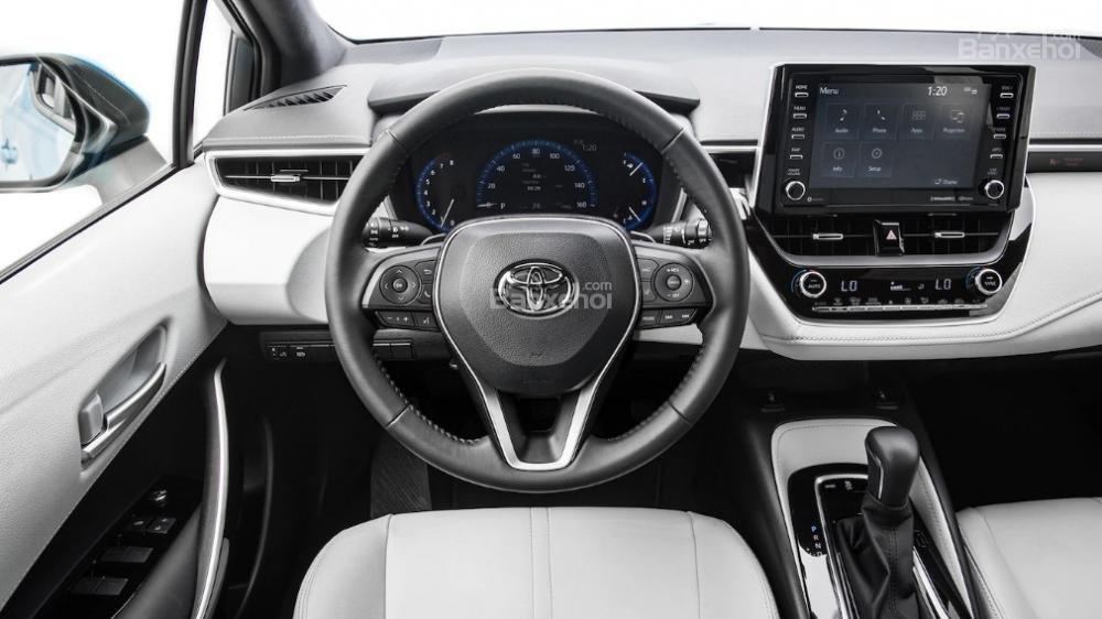 Toyota Corolla 2019 và Toyota C-HR 2019: Chọn hatchback hay CUV? - Ảnh 8.