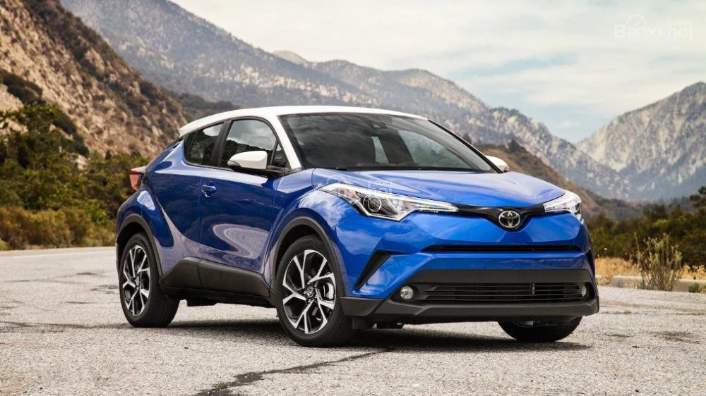 Toyota Corolla 2019 và Toyota C-HR 2019: Chọn hatchback hay CUV? - Ảnh 1.