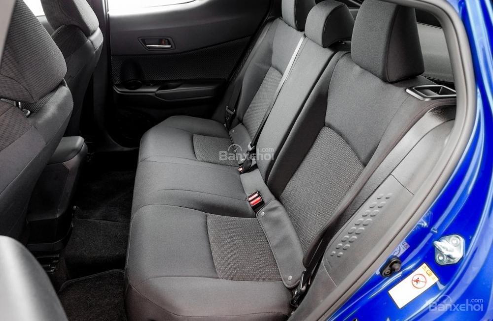 Toyota Corolla 2019 và Toyota C-HR 2019: Chọn hatchback hay CUV? - Ảnh 22.