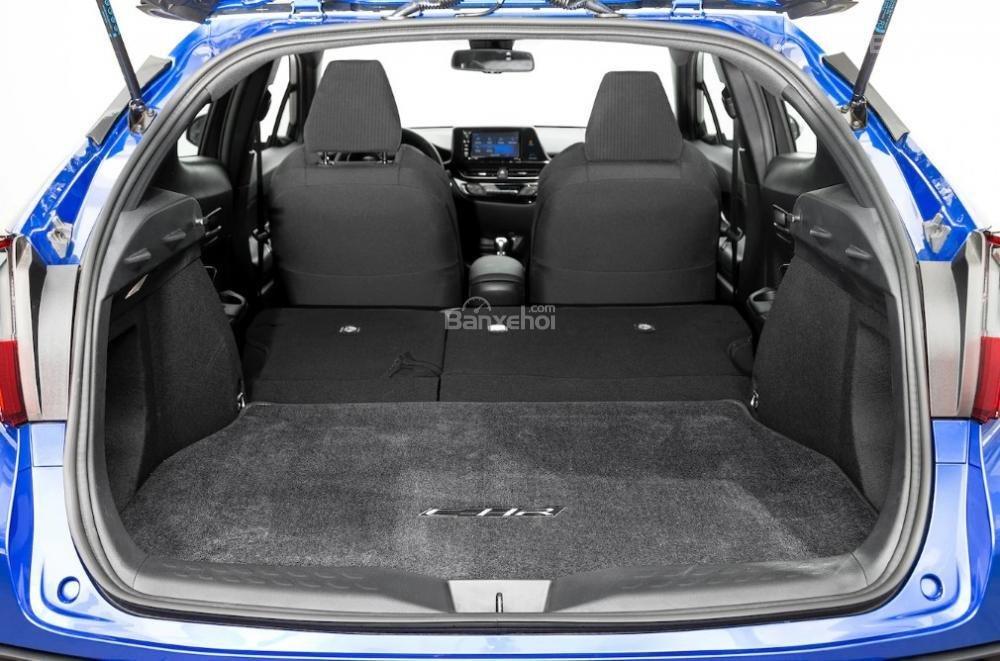 Toyota Corolla 2019 và Toyota C-HR 2019: Chọn hatchback hay CUV? - Ảnh 15.