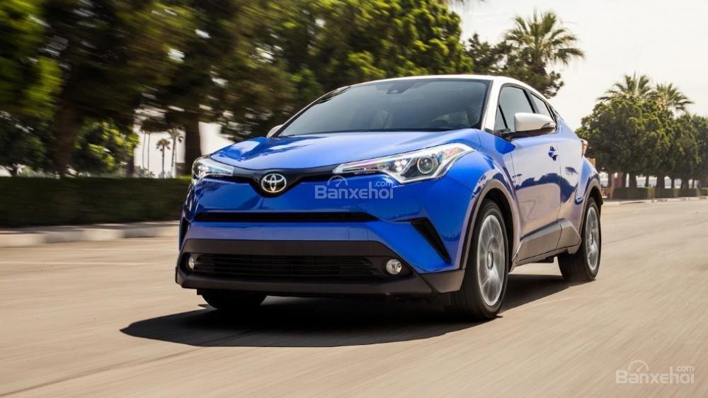 Toyota Corolla 2019 và Toyota C-HR 2019: Chọn hatchback hay CUV? - Ảnh 11.