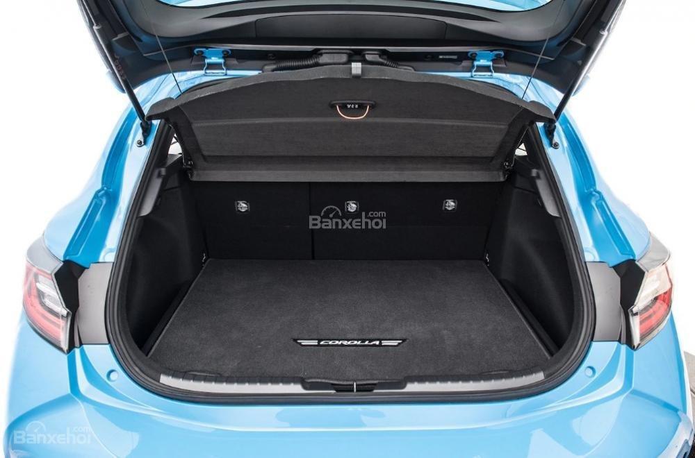 Toyota Corolla 2019 và Toyota C-HR 2019: Chọn hatchback hay CUV? - Ảnh 14.